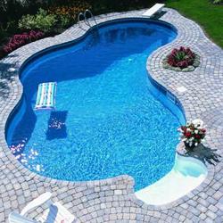 membuat kolam renang sendiri untuk rumah atau villa anda
